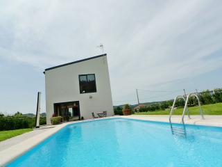 BAROSA - Casa de diseño con piscina privada, Barro