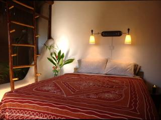 Bali Style Apartment - in town, Bacalar