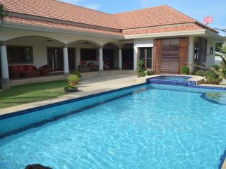Beautiful pool villa, Hua Hin, B&B