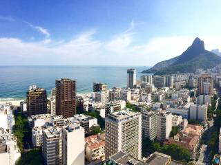 Apartment with ocean view Leblon, Rio de Janeiro