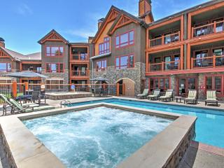Striking 3BR Breckenridge Condo w/Wifi, Fireplace, & Access to Hot Tubs & Pool - Phenomenal Ski-In/Ski-Out Location Steps from Snowflake Lift! Easy 10 Minute Walk to Downtown!