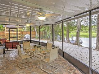 Captivating 3BR Dunnellon House w/Wifi, Private Patio & Gorgeous Bayou Scenery - Easy Access to Rainbow River, Shops, Restaurants & More!