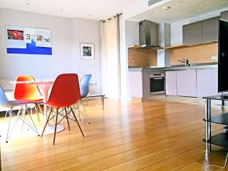 Newly furnished modern '4STAR' service apartment, Londres