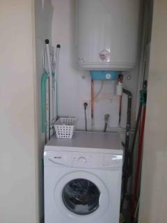 machine à laver dans placard