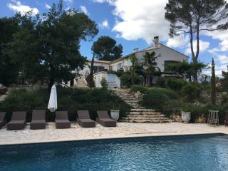 Magnificent villa , sleeps 10 , fabulous kitchen, Le Rouret