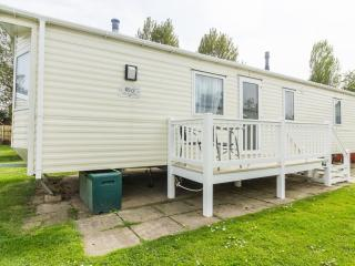 Ref 80094 Southreach at Haven Hopton Holiday park  Close to the beach.