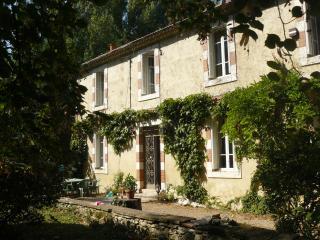 Gers : Les Moulères, grande maison familiale avec piscine et parc arboré, Mauvezin