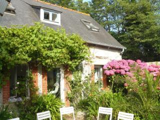 Maison de charme - 2 Km de Saint-Quay Portrieux,proche des plages, Wifi, animaux