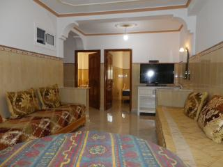 Location bel et grand appartement a Nador Al Jadid