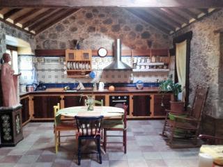 La casa de Tila (s.XVIII). Sabor a piedra antigua., La Aldea de San Nicolas de Tolentino