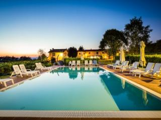 Holiday apartment with pool SAN JACOPO 4