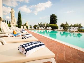 Holiday apartment with pool SAN JACOPO 5