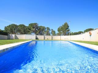 Casa espaciosa casa con jardín y piscina(Del Puig), L'Escala