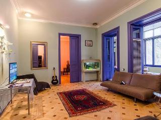 Historical Artistic Apartment, Tbilisi