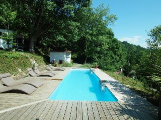 Riverside chalet with heated pool (4)