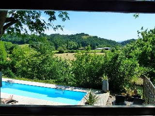 Riverside chalet with heated pool (4), La Bastide Clairence