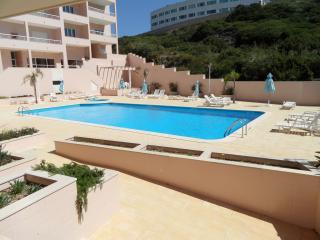 Duplex Apartment T3 with pool close to the beach, São Martinho do Porto
