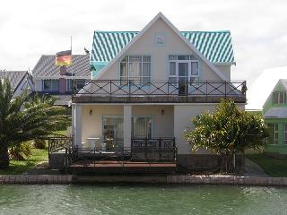 Haus Silvia, Marina Martinique, up to 8 persons, Jeffreys Bay