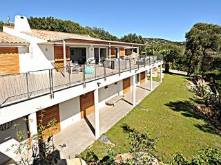 Contemporary Villa on Corsica near Beach and Porto Vecchio - Villa Victoria
