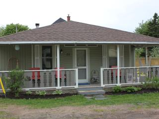 Welcome to Cozy Corner Cottage in Kingsport, NS