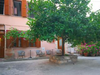 Kasteli Studio Courtyard View