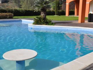 VILLA STANDING /JACUZZI  / AC : CLIMATISATION
