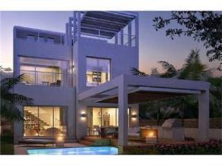 Brand New Modern two story pool home across beach, Sunny Isles Beach