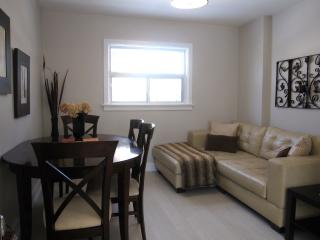 Lakeview Upper - 2 Bed Complete Reno !, Mississauga