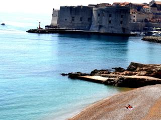 DUBROVNIK, AP 2+2, OLD CITY 100m, BEACH 100m, AC