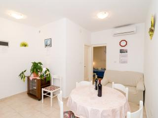 Apartments Villa Dingac-One Bedroom Apartment No.3, Potomje