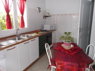Loue joli studio en rez-de-villa, Bastia