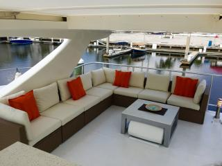 Luxury Boatel Close to Beach