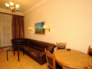 3-room Spacious Apartment, Right in the Heart of Kiev, Kreshatik 21 (1)