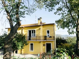 independent little villa in the countryside Umbria, Todi