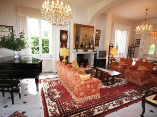 Villa Ettore - 6 bedroom villa in Lucca Centre
