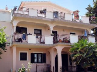 Apartment in quiet area - Stella, Malinska