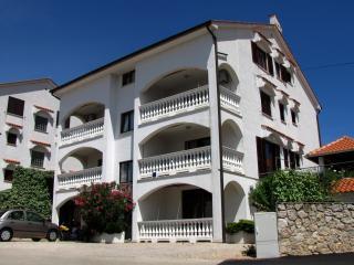 Apartment Katarina 2 for 4/5 people, Malinska
