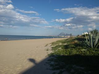 casa a 20 metros de una bonita playa de arena fina