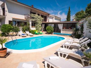 House Dina with Pool SPECIAL OFFER IN JUNE 7=6