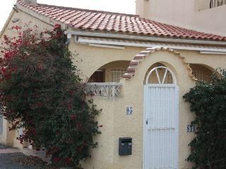Casa adosada con terraza, La Marina