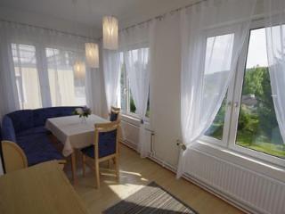 Haus Apricum - Wohnung mit Veranda, Garten, Parken