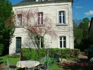 La ROCHE- POSAY Loue Vacances Grande maison, La Roche-Posay