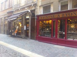 Vieux Lyon Saint Jean gîte self catering