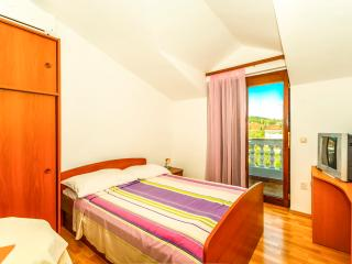 TH01418 Apartments Friganović / One Bedroom Cesta, Vodice