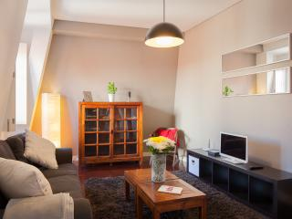 Chiado with elevator 2BR + 2 Bath Free WIFI
