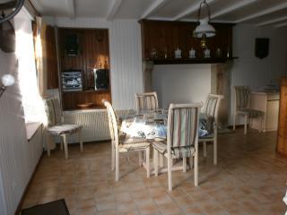 Maison  centre de village de Quettehou