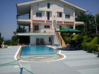 Sehr große und luxuriöse vorstädtischen Villa in Ano Peraia, Thessaloniki
