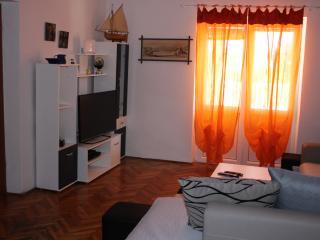 Apartment Jaksic  Zile srednji kat, Supetar
