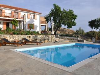 Villa Yiali, Glossa