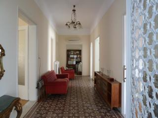 Neo-Classical 204 m2 fully furnished apartment, Piraeus